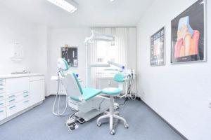 Zahnarztpraxis Dr. Domagala Behandlungsraum